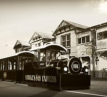 Iconic Hawke's Bay Express in front of Napier's 6 Sisters by SeeOneSoul