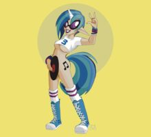 My Little Pin Up- Vinyl Scratch by LillyKitten