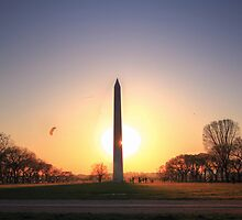 Setting Sun on Washington Monument by Shelley Neff