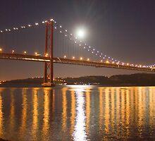 Lua cheia. Lisbon. Full moon. by terezadelpilar~ art & architecture