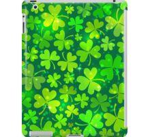 Green magic clovers pattern iPad Case/Skin