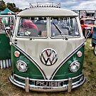VW Splitty by Chris Vincent