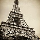 Eiffel Tower by gianliguori