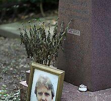 Alexander Sasha Litvinenko at Highgate West Cemetery by Ren Provo