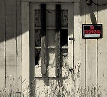 No Trespassing in Waldport, Oregon by trueblvr