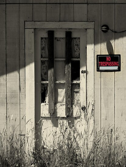 No Trespassing in Waldport, Oregon by trueblvr