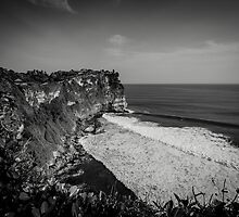 Uluwatu Temple by andrewsparrow