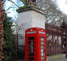 London: Deer Telephone Box by justbmac