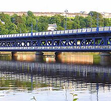 The Craigavon Bridge by Fara