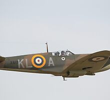 Spitfire Mk1a X4650 by Nigel Bangert