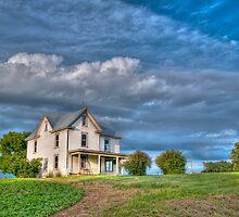 Abandoned Farm House by Joe Jennelle