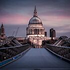 Dawn colour over St Pauls. by fulhamphil