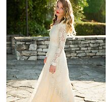 Vintage Wedding Dress by MudStickPhoto