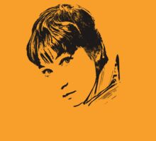 Shirley MacLaine T-Shirt by Museenglish