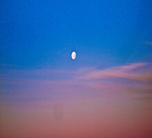 Beautiful Moon, fabulous sky. by ALEJANDRA TRIANA MUÑOZ
