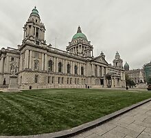 Belfast Town Hall by Chris Hood