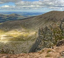 Stob Coire an t-Sneachda by VoluntaryRanger
