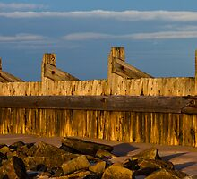 LOSSIEMOUTH - SUNDOWN ON BREAKWATER by JASPERIMAGE