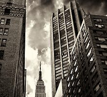Empire State building by woodnimages