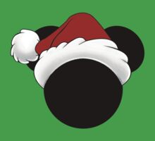 Mickey Mouse head in Santa hat by sweetsisters