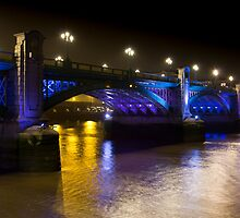 Southwark Bridge London by DavidHornchurch