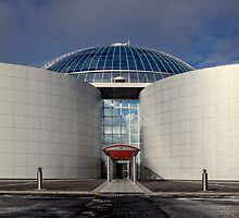 The Perlan, hot water storage above Reykjavik Iceland by Peter Kewley