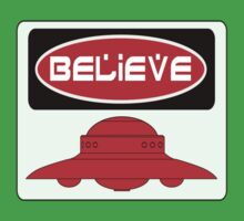 BELIEVE: UFO, FUNNY DANGER STYLE FAKE SAFETY SIGN Kids Clothes