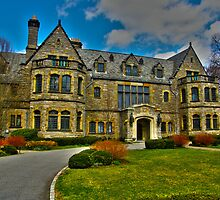 Glitter That Was Once Gold - Sefton Manor by Kevin Durst