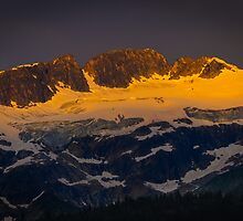 Dawn by RevelstokeImage