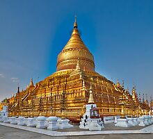 GOLDEN SHWEZIGON PAGODA by travel4pictures