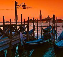 Venezia Gondola Sunrise by joeferma