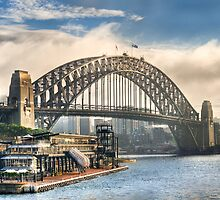 Sydney by Ray Warren