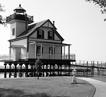 Roanoke River Light House by WeeZie