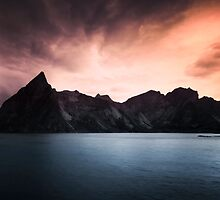 Early morning in the Reine by Keijo Savolainen