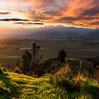 Hilltop Sunset by srhayward