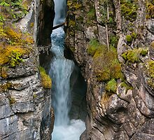 Maligne Canyon by Ian Fegent