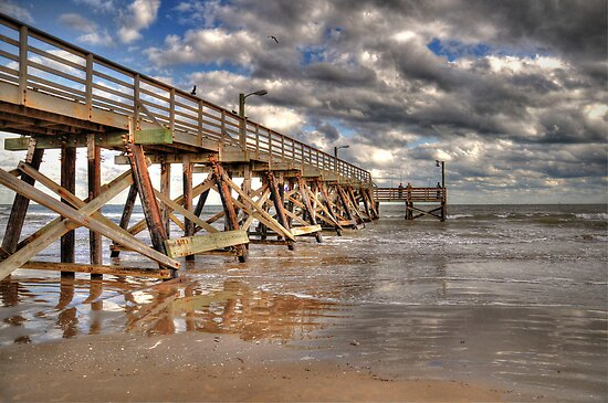 Fishing Pier by venny