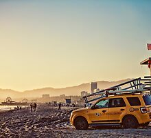 Santa Monica Beach  by enlightenedscrp
