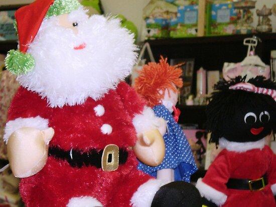 *Met this handsome Santa in gift shop* by EdsMum