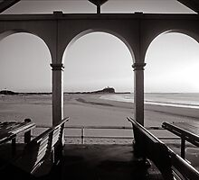 Nobbys Beach - B&W by 4thdayimages