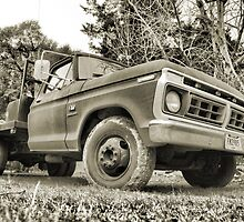 Reliable old Ford by GWGantt
