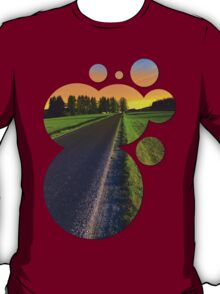 Country road into surreal sundown | landscape photography T-Shirt