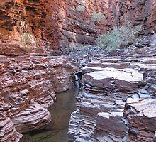 Knox Gorge   Pilbara - photo by Sue by PeterJF