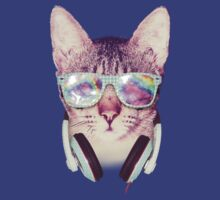 Hipster Cat With Glasses (Trippy Eye) by mullian