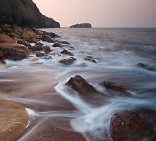 Saltwick Bay at first light by Guy  Berresford