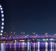 Singapore Flyer overseeing Helix Bridge by HuyLuu