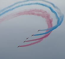 Red Arrows 3 by john southward