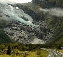 Low Cloud on the Glacier by Larry Lingard-Davis
