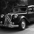 Citroen at Limeuil by nigelphoto