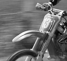 Dirt bike flat out by Martyn Franklin